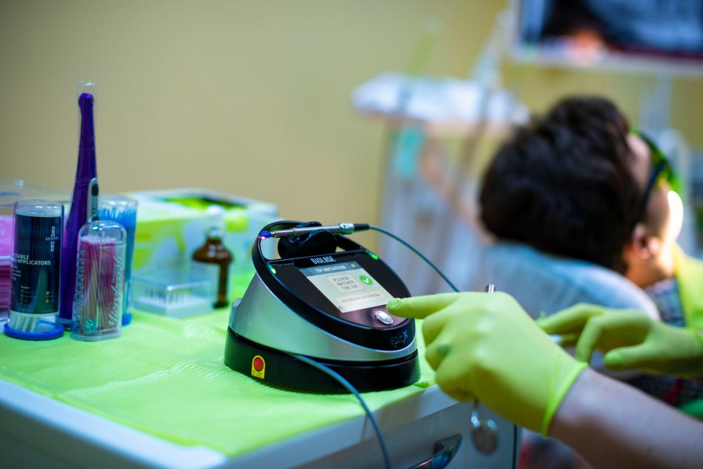 Albire dentară în Brăila – tratament laser