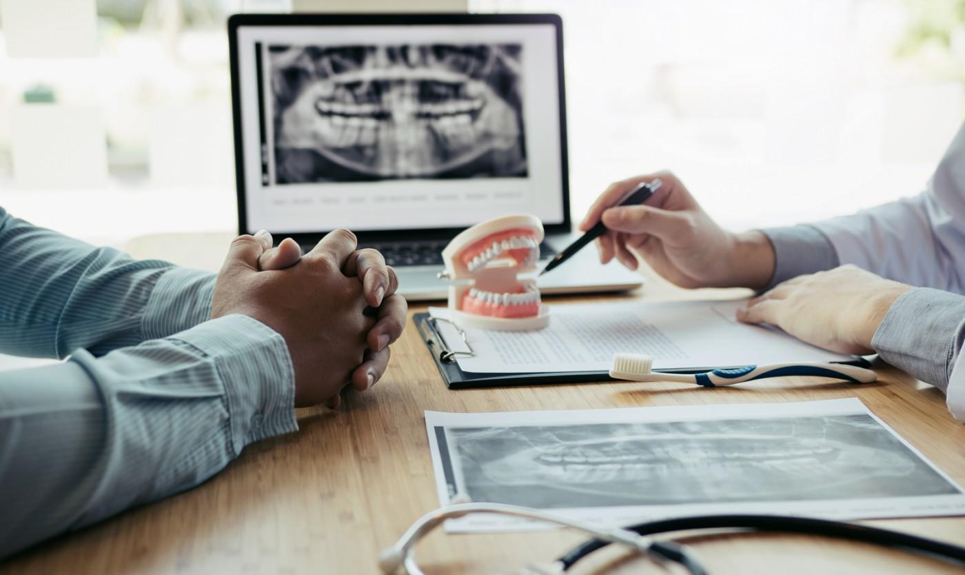 Resorbția osoasă și alte probleme cu proteza dentară